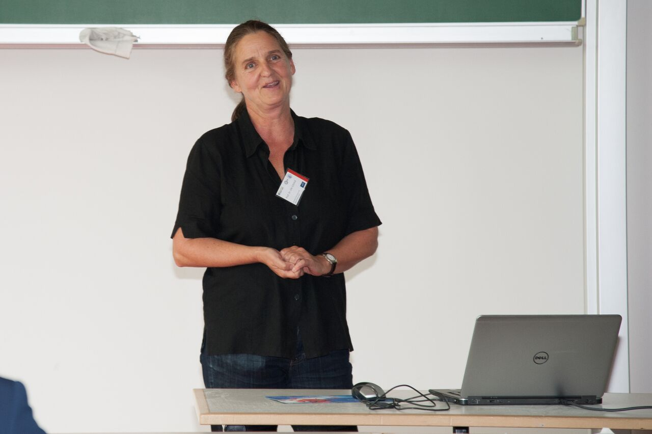 "Ute Schmid presents at the Conference on Intentional Forgetting in Organizations and Work Setting regarding ""Interactive Learning to Identify Irrelevant Digital Objects – An Interpretable Machine Learning Approach"""